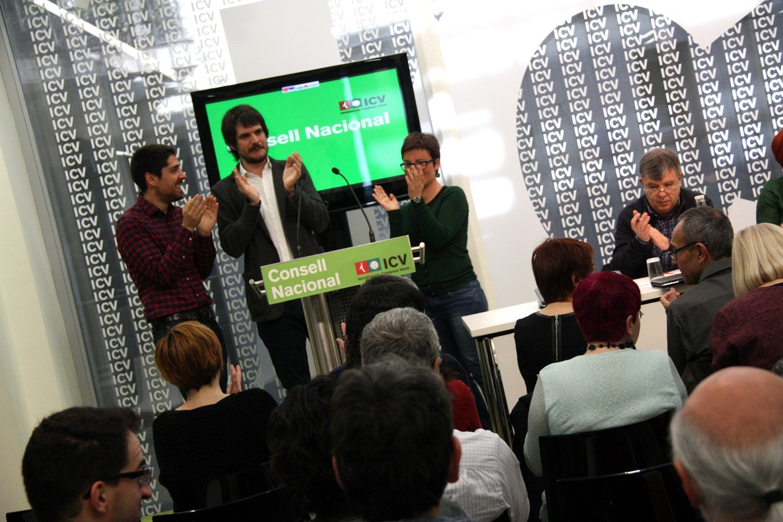 David Cid, Ernest Urtasun y Marta Ribas, tras ser proclamados como líderes de ICV.