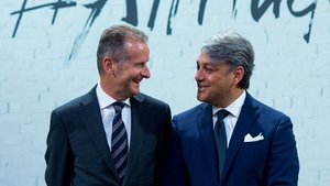 Herbert Diess (Volkswagen) y Luca De Meo (Seat).