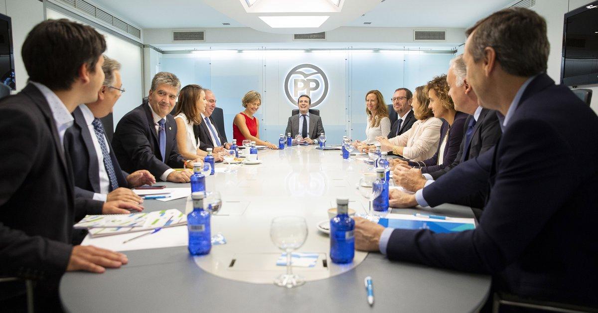 Pablo Casado preside un comité de dirección del PP.