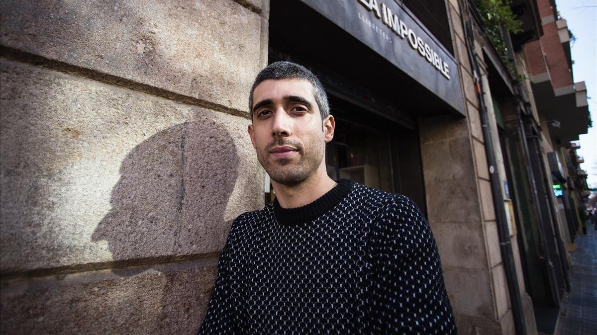 El escritor Víctor García Tur, ganador del Premi Just M. Casero 2017 con 'Els romanents'.