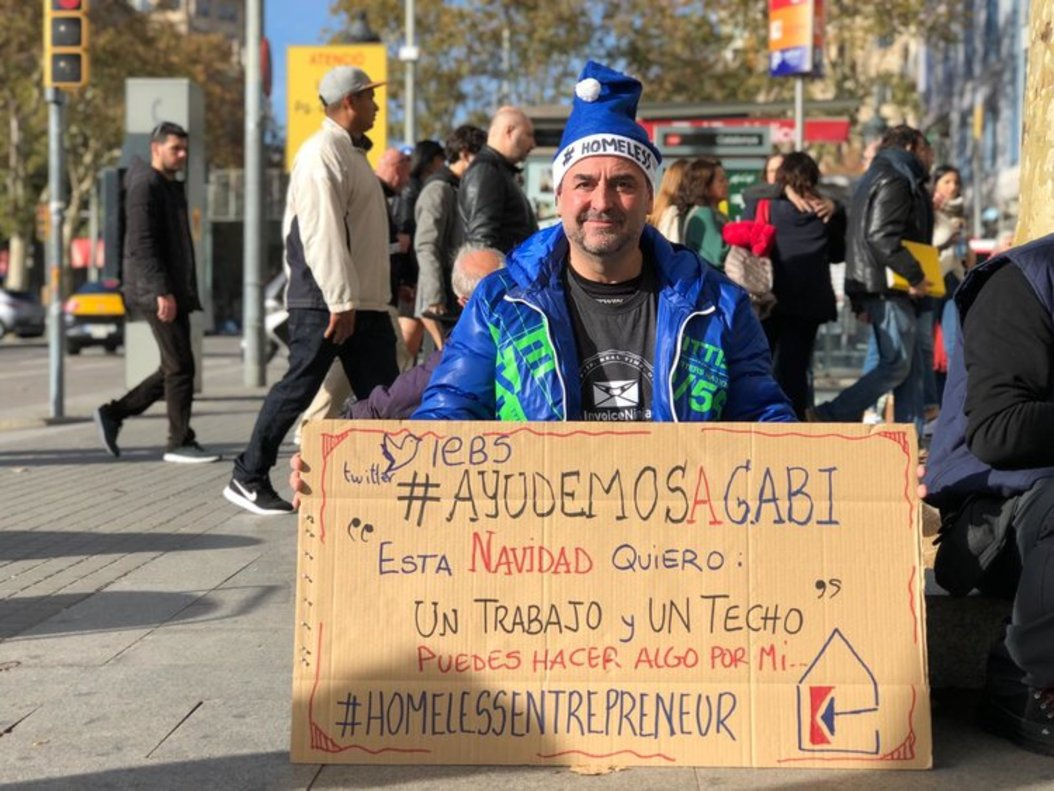 Gabriel es una de las personas que actualmente está dentro del programa Homeless Entrepreneur.