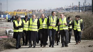 El ministro de Fomento, Íñigo de la Serna, durante su visita a las obras de duplicación de vía entre Atocha y Torrejon de Velasco.