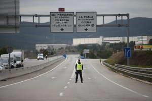 Portugal tanca als turistes la frontera amb Espanya