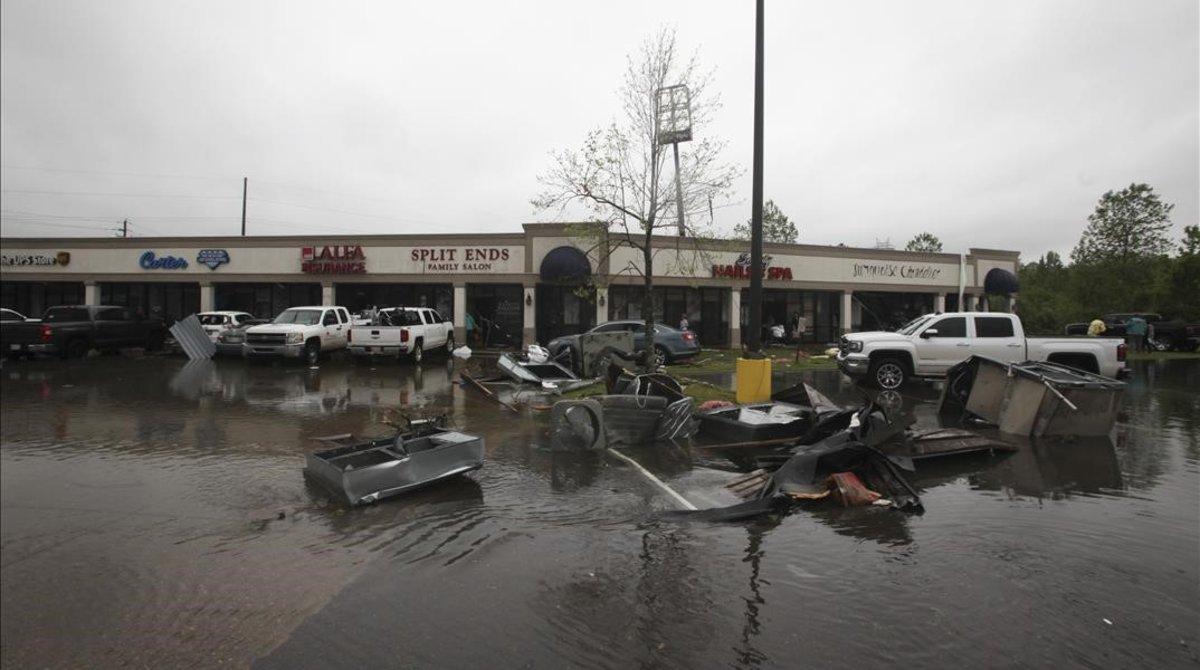 Imagen tras el paso de un tornado en Vicksburg(Misisipi).