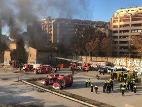 Incendio en el edificio de la Torre del Fang, en el barrio del Clot.