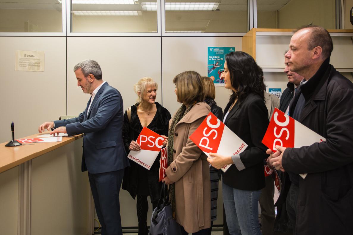 Jaume Collboni y varios alcaldes socialistas presentan el recurso en Ensenyament para reclamar el pago a las guarderías.