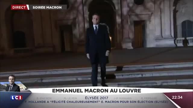 La llegada de Emmanuel Macron al Louvre.
