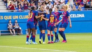 Las jugadoras del Barça celebran un gol en un partido disputado en el Estadi Johan Cruyff.