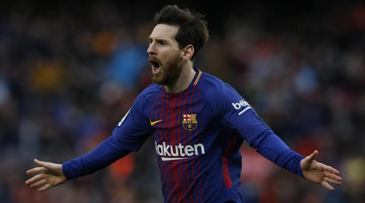 Leo Messi celebra su gol nº 600 como profesional y, cómo no, de falta directa.