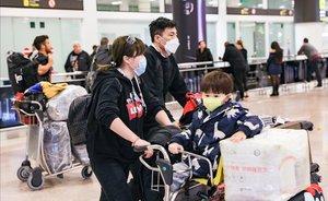 Llegada a Barcelona de pasajeros de un vuelo de Air China procedente de Beijing, el jueves pasado.