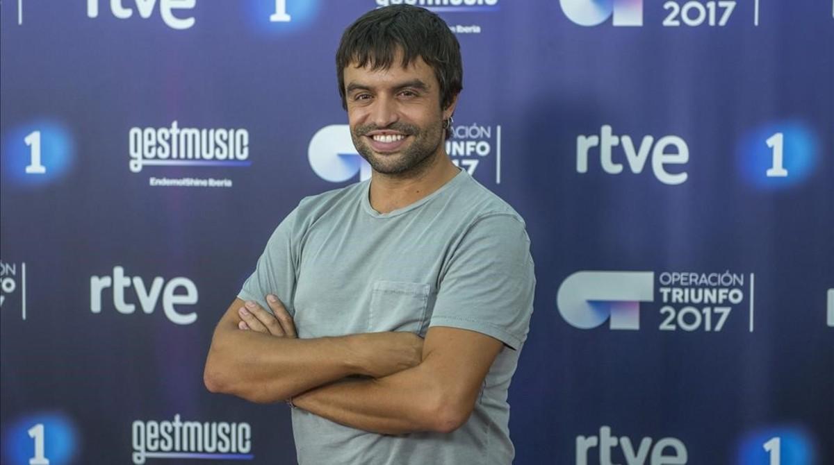 Manu Guix posa en la presentación de la nueva temporada de 'Operación Triunfo', en el Parc Audiovisual de Catalunya,Terrassa.
