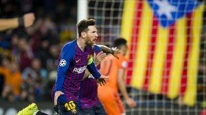 Messi celebra el tercer gol del Barça sobre el Olympique de Lyon.