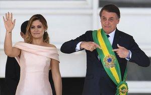 Michelle y Jair Bolsonaro, durante la toma de posesión del segundo como presidente de Brasil.