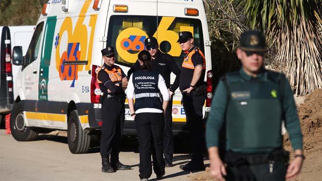 Noche sin descanso para los servicios de emergencia que buscan a Julen en el pozo de Totalán (Málaga).