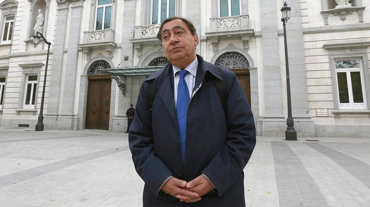 El nuevo Fiscal General del Estado, Julián Sánchez Melgar, sale del Tribunal Supremo este mediodía.