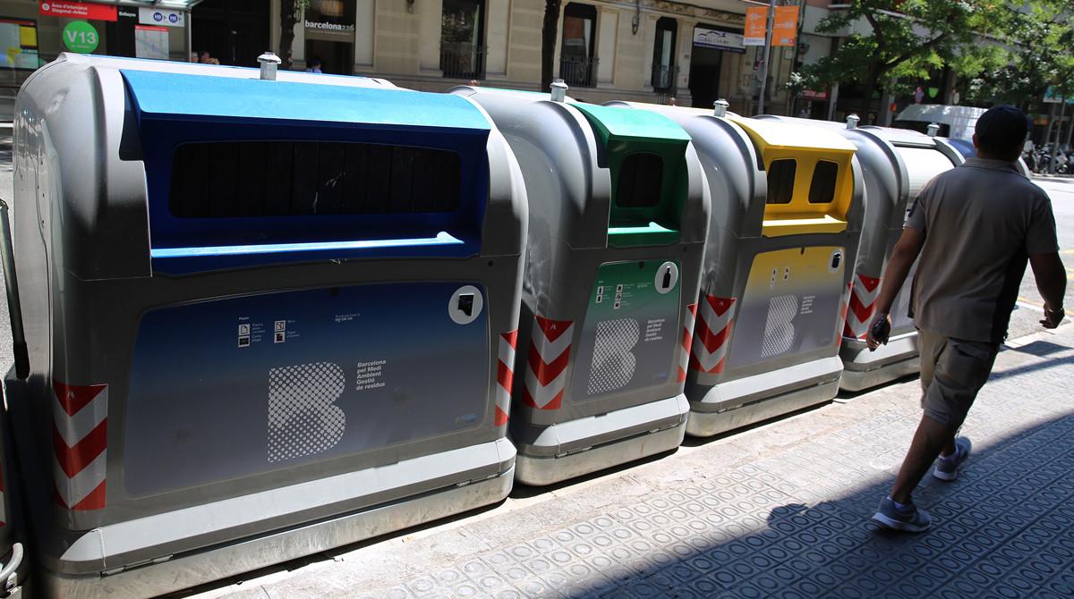 Nuevos contenedores de recogida selectiva en Barcelona.