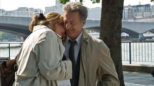 Emma Thompson y Dustin Hoffman, en una escena de la películaNunca es tarde para enamorarse.