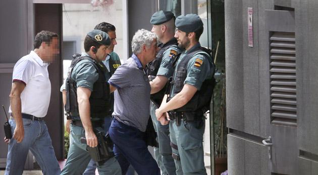 Detenidos el presidente Angel María Villar, su hijo Gorka y el vicepresidente Juan Padrón.