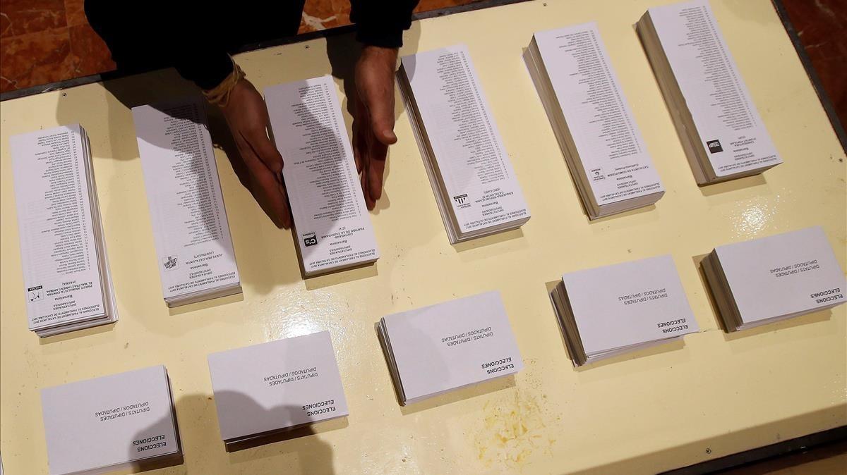 Papeletas preparadas para las elecciones de este jueves.