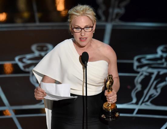 Patricia Arquette, durante su discurso al recoger el Oscar a la mejor actriz secundaria por 'Boyhood'.