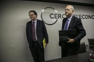 El presidente del Cercle dEconomia, Juan José Brugera (derecha), con Jordi Alberich, director general, ayer.