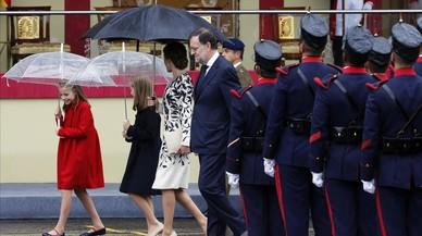Rajoy se prepara para la investidura ante un PSOE afligido