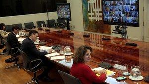 El presidente del Gobierno,Pedro Sánchezmantiene la octava conferencia telemática con los presidentes autonómicos sobre la crisis del COVID-19.