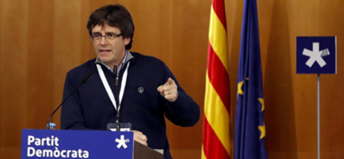 El presidente de la Generalitat, Carles Puigdemont, durante una reciente intervención ante el consell nacional del PDECat.