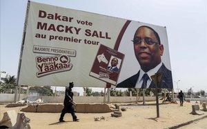 Propaganda del presidente Sall en Dakar.