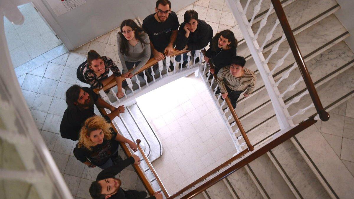 Los integrantes del proyecto de cooperativa Recooperem, en el Casal de Joves Casa Sagnier (Barcelona).