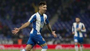 Hernán Pérez celebra el gol que dio la clasificación al Espanyol para los octavos de la Copa, este martes en Cornellà.