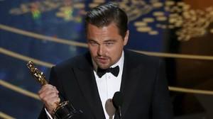 Leonardo DiCaprio gairebé s'oblida el seu Oscar en un restaurant