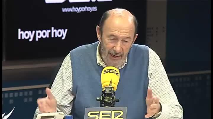 Rubalcaba, durante la entrevista que ha dado este jueves a la cadena SER.