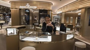 Thavy Nano, consejera delegada de TimeVallée, en la tienda de El Corte Inglés Diagonal de Barcelona.