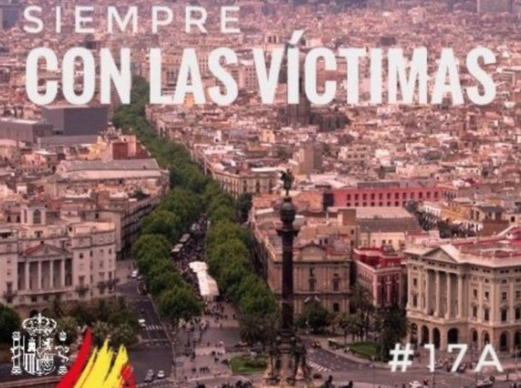 Moncloa borra por error la bandera española en un tuit de Sánchez en catalán por el 17-A