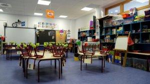 Una clase de infantil del colegio público CEIP 103 de València, completamente vacía, el 15 de mayo.