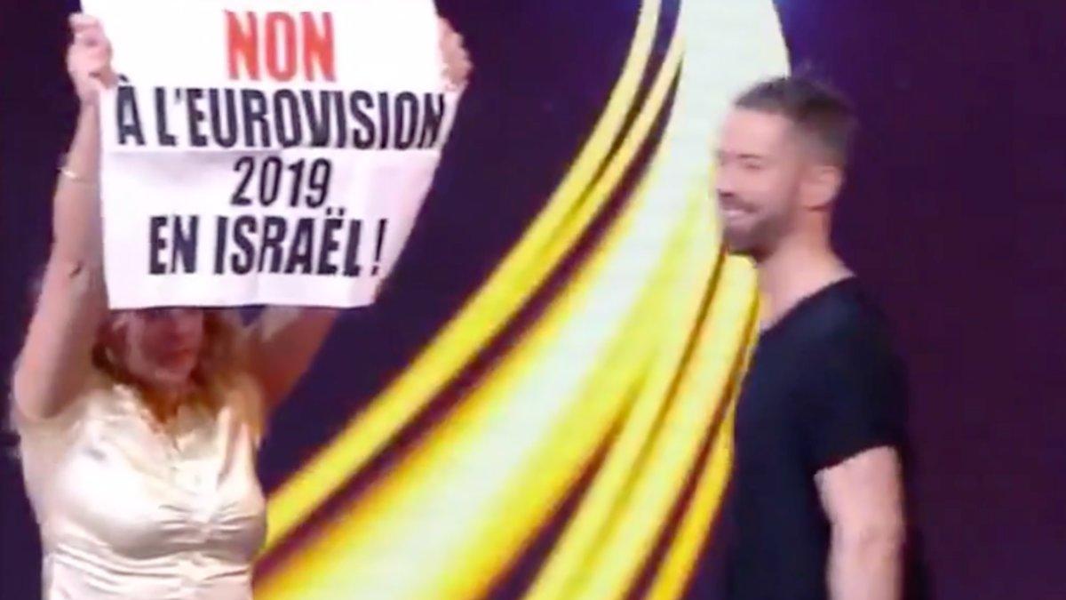 Una de las espontáneas que saltó al escenario de Destination Eurovison durante la segunda semifinal en directo.