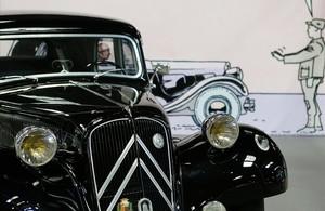 Uno de los flamantes vehículos que figuran en la exposición del Salón del Cómic 'Viñetas sobre ruedas'.