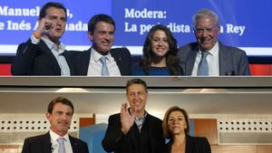 Manuel Valls, arriba, en el acto de Ciutadans, y debajo, en el del PPC, este sábado.