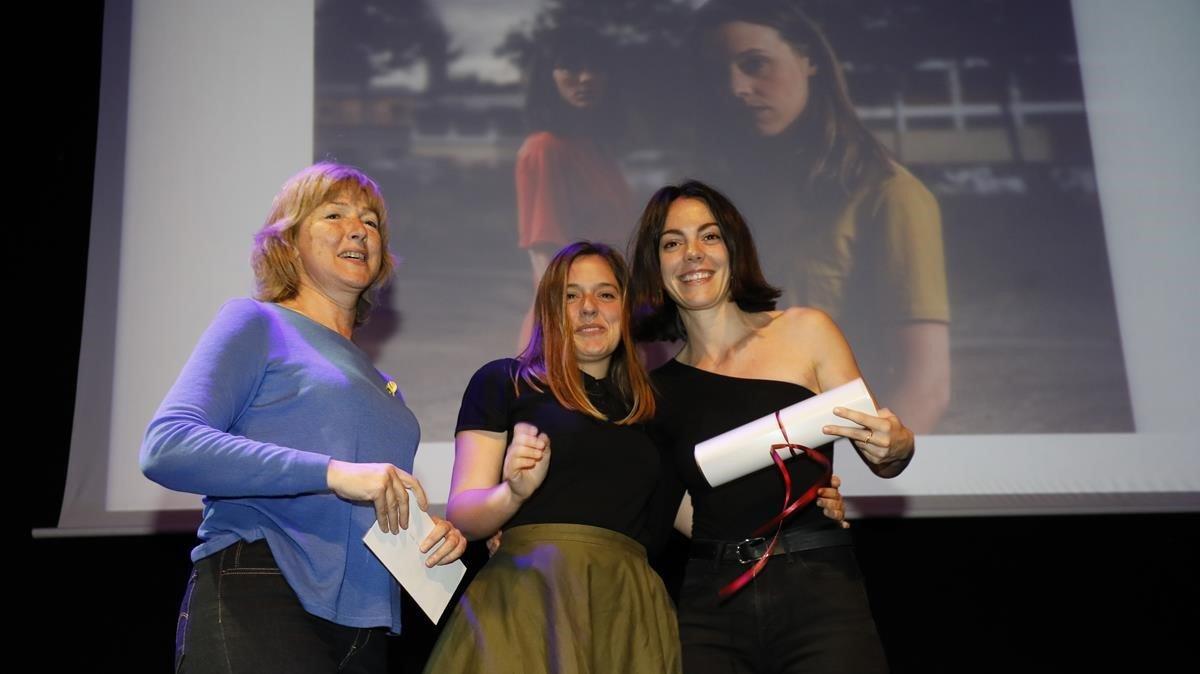 Vicky LuengoyMaria Rodríguezen la ceremónia de entrega de los Premis de la Crítica.
