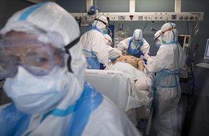 La uci, unidad de curas intensivas, del Hospital del Mar, donde están ingresados enfermos graves por covid-19.