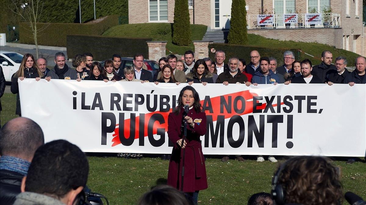 Arrimadas contra Puigdemont