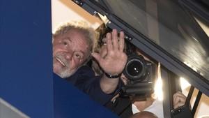 Lula no acata l'ordre d'arrest i negocia condicions de detenció