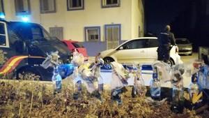Emboscada amb barricades, còctels molotov i pedres d'un grup de menors a la Policia a La Línea