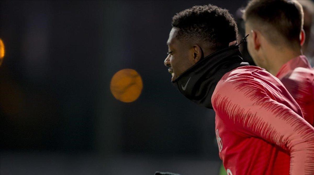 Ousmane Dembélé, en el entrenamiento del lunes en la Ciutat Esportiva Joan Gamper.
