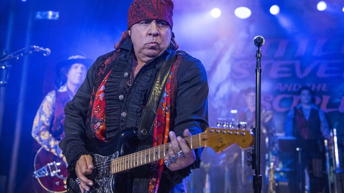 Little Steven, al frente de The Disciples of Soul, en Apolo, el lunes.