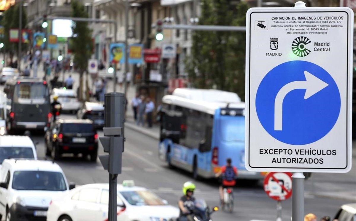 L'Ajuntament de Carmena va multar menys a Madrid Central durant la campanya electoral