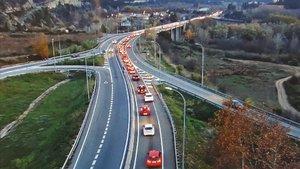 Retencions a les carreteres en l'operació tornada del pont de la Constitució