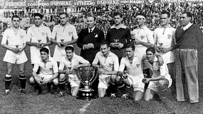 El equipo del Sevilla que goleó al Barça.