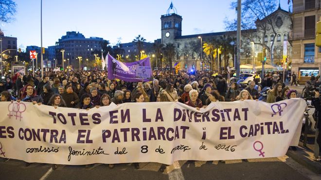 Resultado de imagen de manifestació dia de la dona barcelona 2018